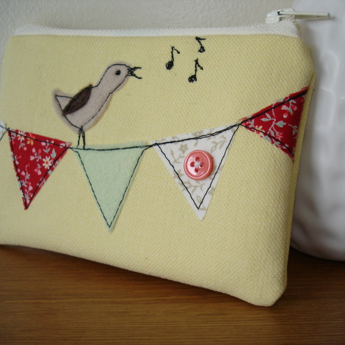 Bird on bunting - coin purse