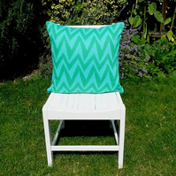 A pair of 1970s retro cushion covers (turquoise & emerald green zigzag)