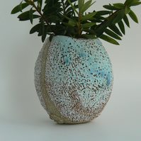 Ceramic Beach Pebble Pot