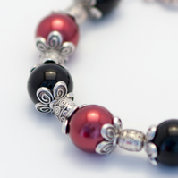 HALF PRICE! Chunky Red and Black Glass Pearl Bracelet