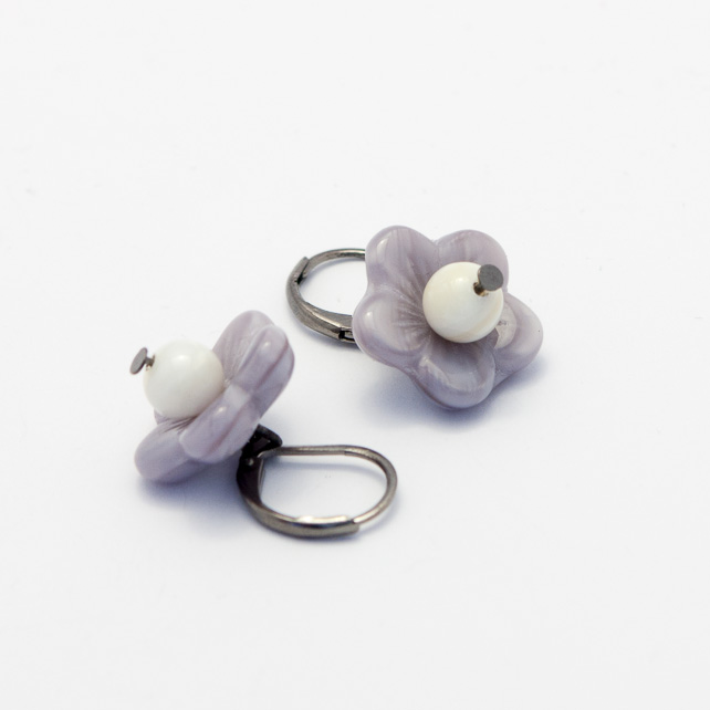 SALE! Czech Flower Pearl Earrings