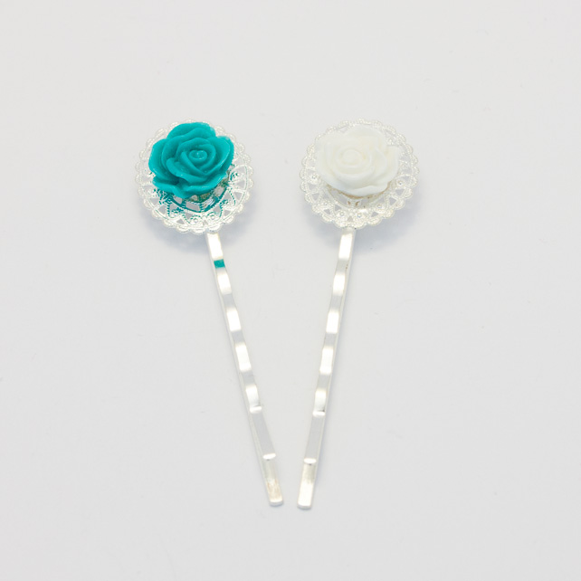 White and Turquoise Bobby Pin Set