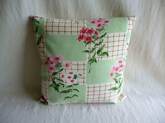 Vintage 1950s pretty floral cushion cover