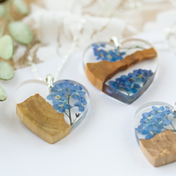Real Forget Me Not Flowers and Driftwood Necklace