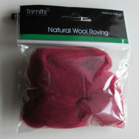10g Natural Wool Roving in colour Wine