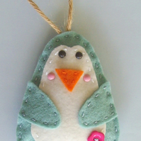 Sewing kit Polly penguin felt decoration