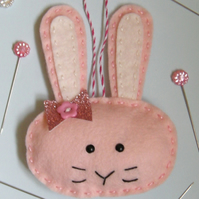 Craft kit Make a rabbit decoration can be personalised