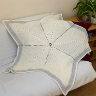 Cream & Silver Star Baby Blanket, 127 cm