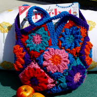 Colourful Daisy Motif Bag, 31 x 31 cm