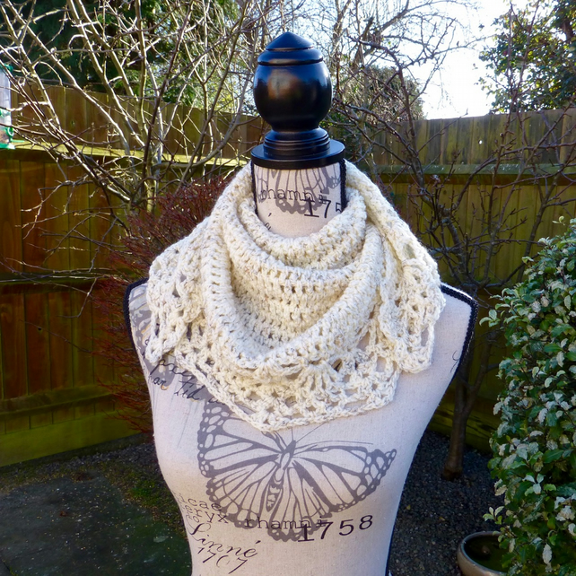 Crochet Girls Sandstorm 'All' Shawl