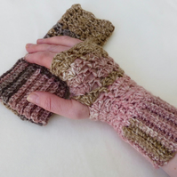 Woodland Pink Wool Fingeless Mittens, 10 x 21 cm