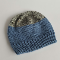 Two tone unisex children's knitted beanie in blue and grey