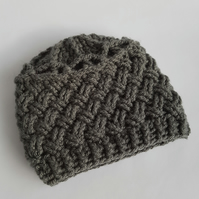 Chunky grey crochet hat age 6-12 months