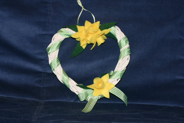 Small heart shaped daffodil wreath