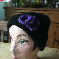 Beanie with detachable crochet flowers
