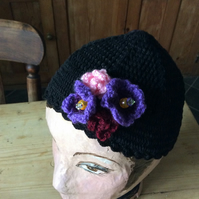Juliet cap with crocheted flowers