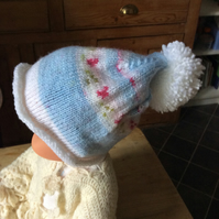 Children's rosebud bobble hat 2-3 years