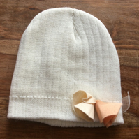 Cream beanie with detachable felt roses