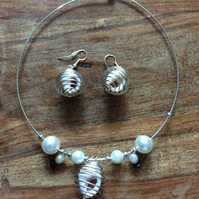 Beach bride necklace and earrings set