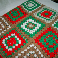 Crocheted Blanket in Red and Green