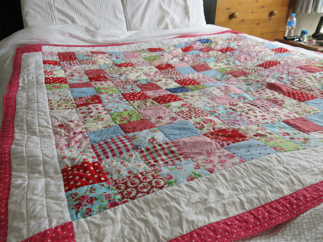 Large Beautiful Handmade Patchwork Quilt - 5' (153cm) x 5' (153cm) approximate
