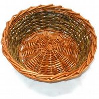 Make this Willow Table Basket: a craft kit for complete beginners to weave.