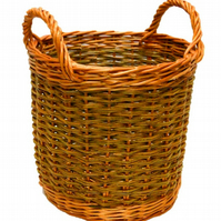 Make this willow Apple Basket: a craft kit for complete beginners to weave.