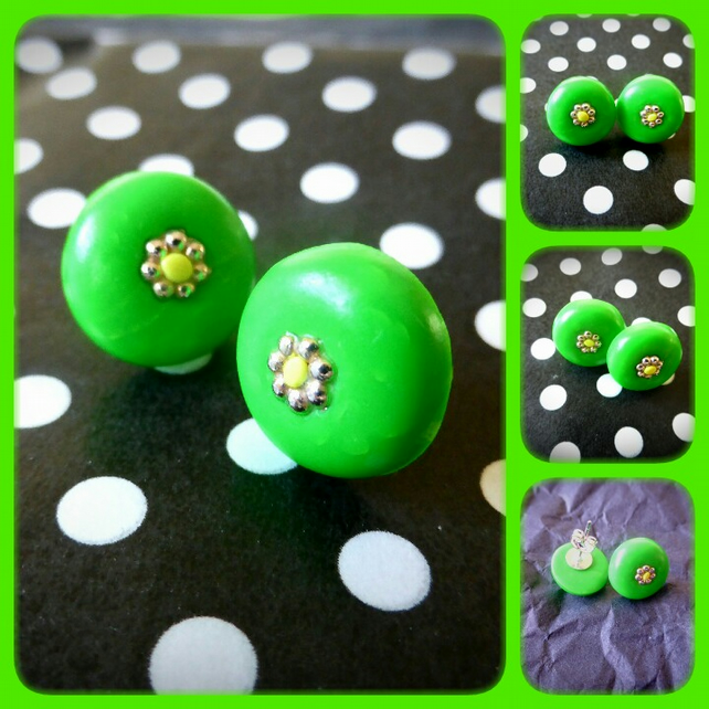 Green Daisy Stud Earrings
