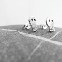 Sterling Silver Skull Studs. FREE UK P&P!