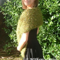 Woodland Moss Green Knitted Stole with Scarlet Satin Lining.