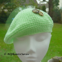 Bright Green Soft Beret, with three button detail.