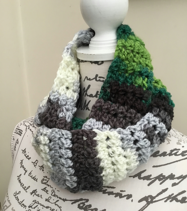 Favori Batik Chunky Crocheted and Soft Neck Cosy Infinity Scarf.