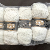 Sale! 5 x 50g lot of Silky 100% Nylon Peria Doria Knitting or Crochet Yarn.