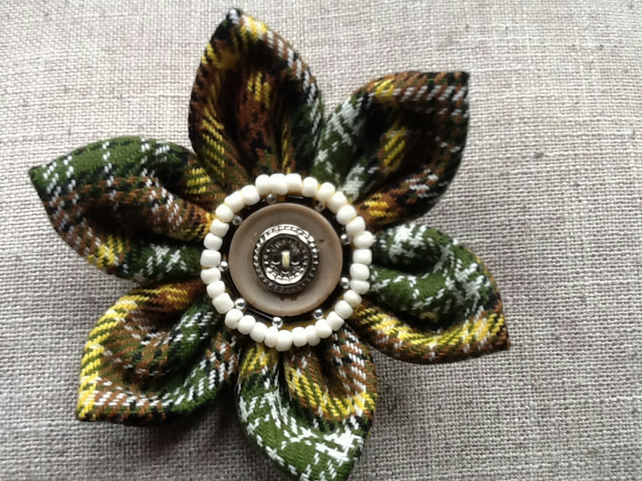 Vintage green tartan fabric flower brooch pin corsage, handmade fashion for coat