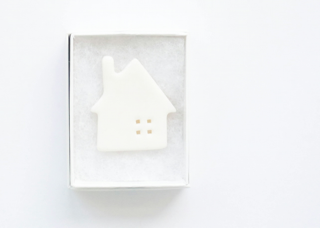 Little house porcelain brooch
