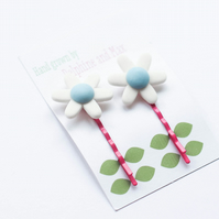 Pair of blue and pink retro flowers hairpins