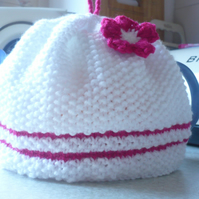 White and Barbie Pink Teacosy