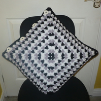 Lily Crocheted Pillowcase