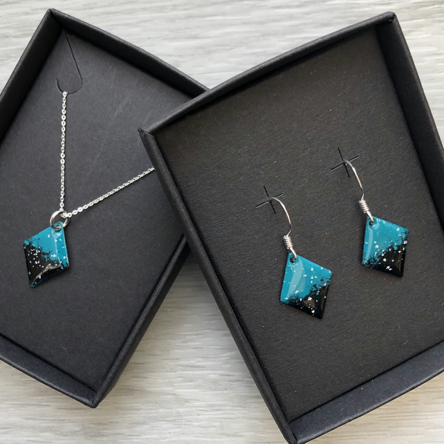 Diamond enamelled necklace & earring sets. Turquoise & black. Sterling Silver