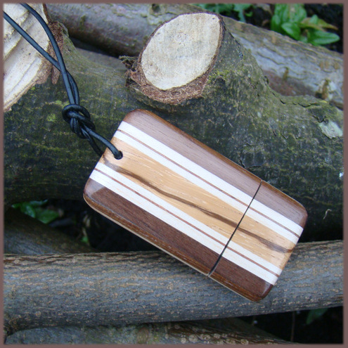 A wooden 'sandwich' memory stick 2GB