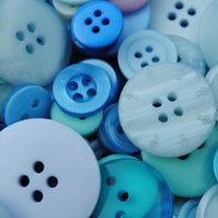 Button bag...Baby Blues 50g