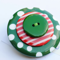 Giant Button Brooch... Green and red