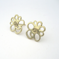 Solid 18ct Yellow Gold Primrose Stud Earrings