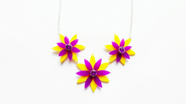 Large multi floral blosson necklace