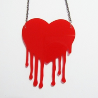 Sale Bloody love necklace
