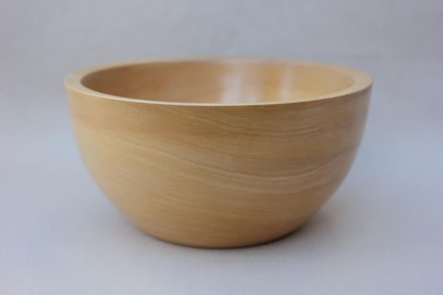 Turned castello boxwood bowl