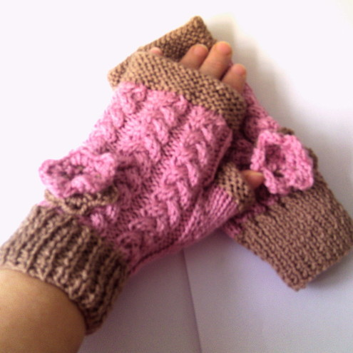 Fingerless Gloves in pink with Flower