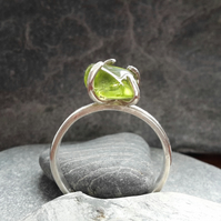 Peridot ring, sterling silver ring, gemstone ring, claw ring, birthstone ring