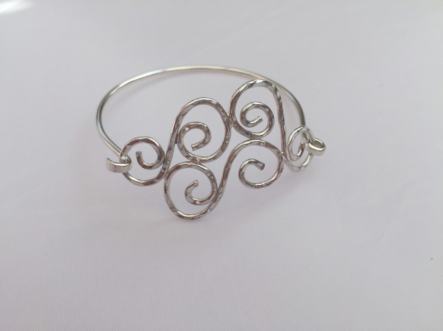 'Skyla' sterling silver swirl bangle