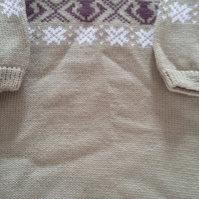 Olive greem short sleeved jumper with fairisle yoke. Size 3-4 yrs